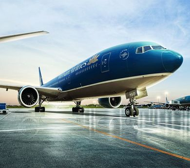 Vietnam Airlines' valuation touches $2.4b upon new listing