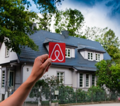 Airbnb tweaks refund policy