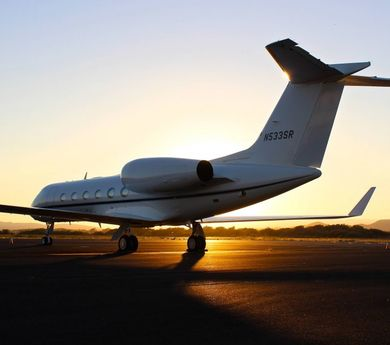 Americans gradually shift to flying in private jets